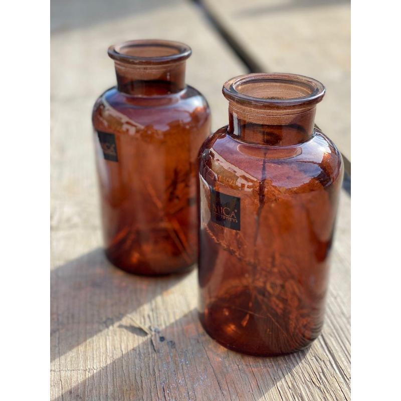 Набор коричневых бутылок