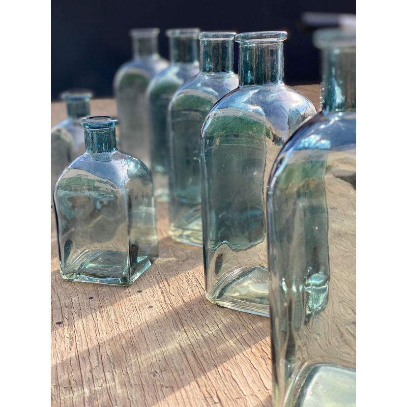 Набор прозрачного голубого стекла
