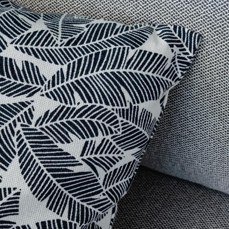 Подушка LEAVES