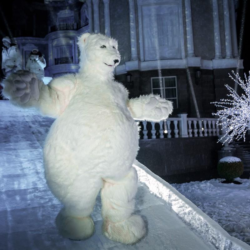 Медведь белый ростовая кукла