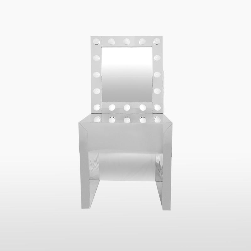 Гримерный столик с зеркалом и подсветкой