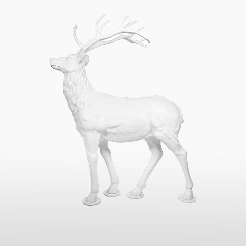 Декоративный олень
