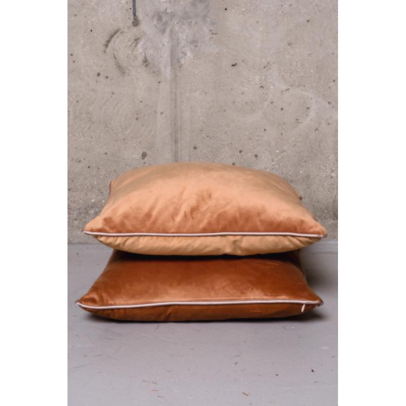 Подушка Velvet  2