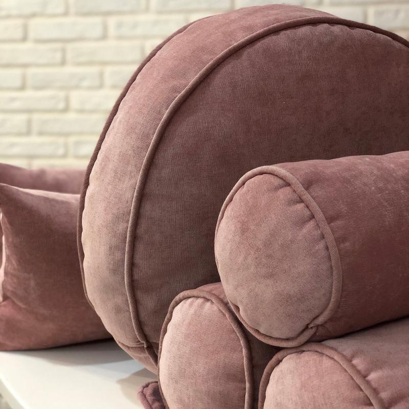 Набор подушек вельвет розовый